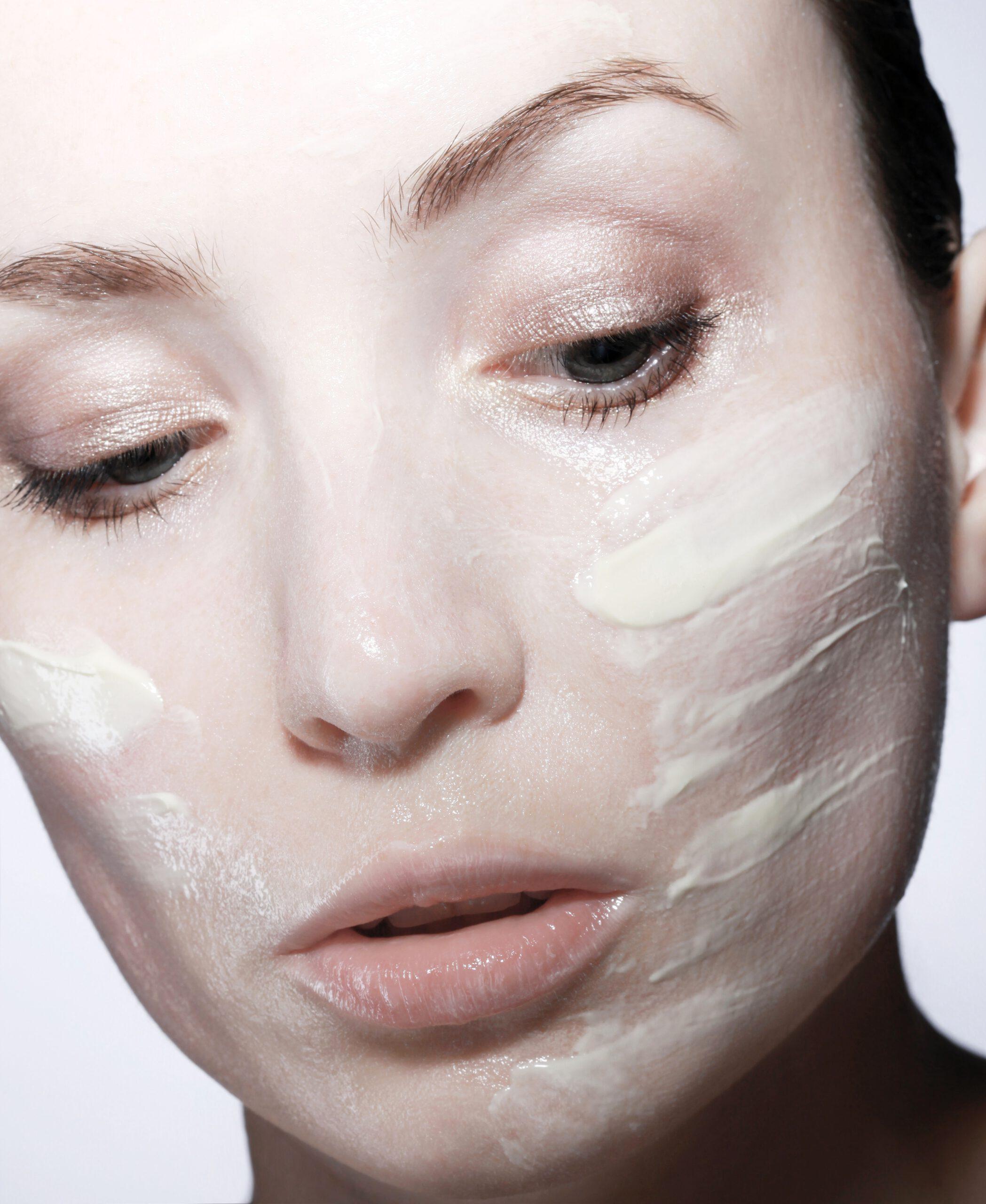 pielęgnacja twarzy kremem