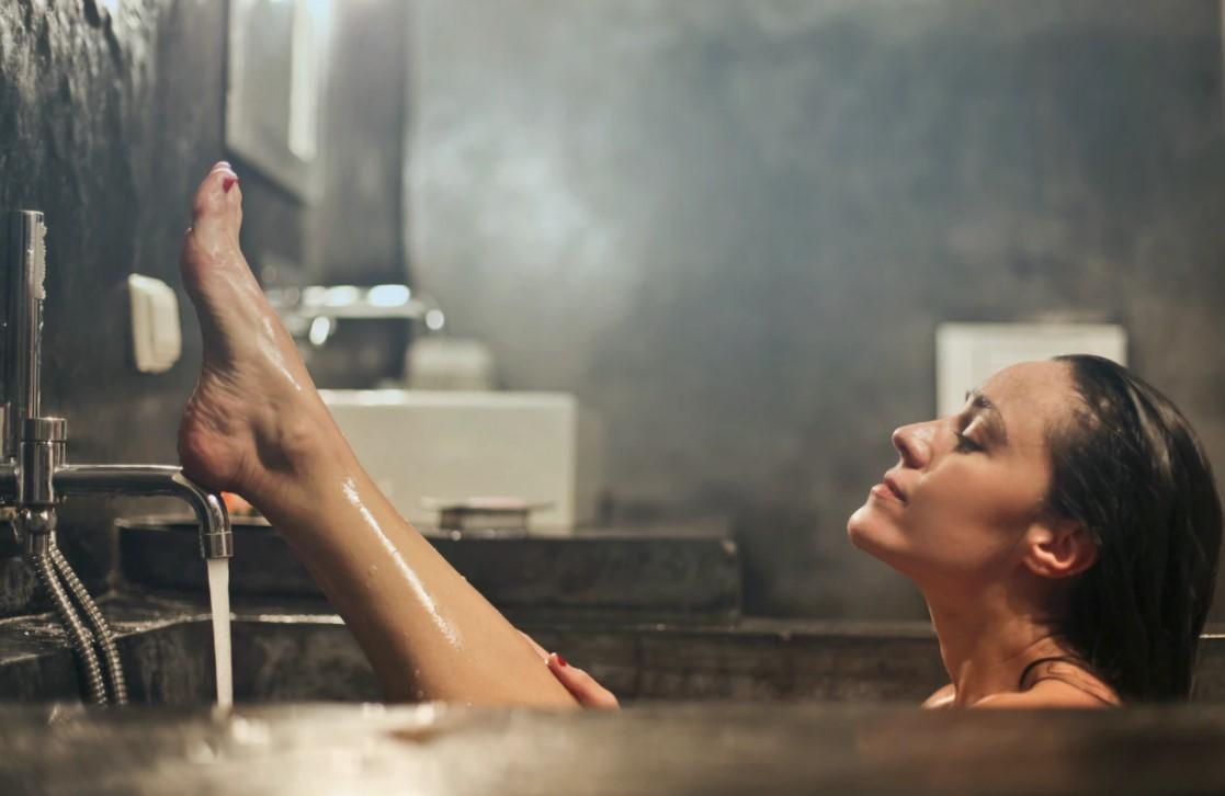 Co wybrać, gąbkę do kąpieli czy myjkę?